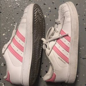 Kids girls Adidas pink superstar sneakers sz 10